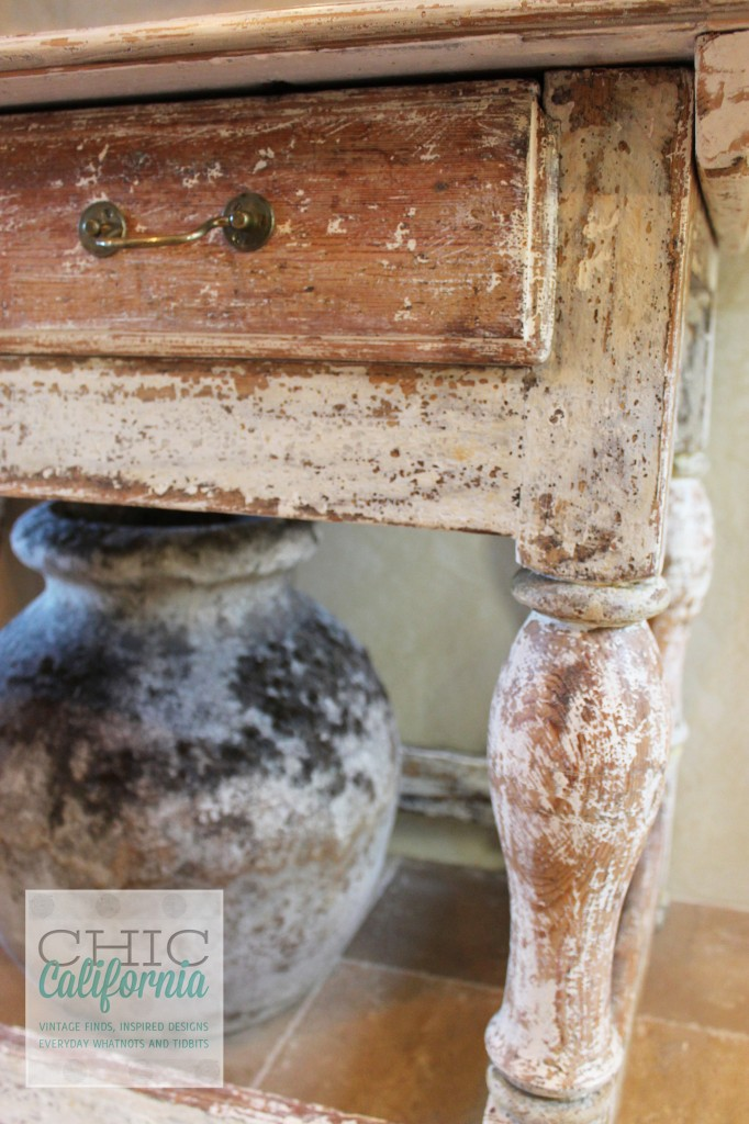 farmohouse table, white table, distressed table, white distressed table