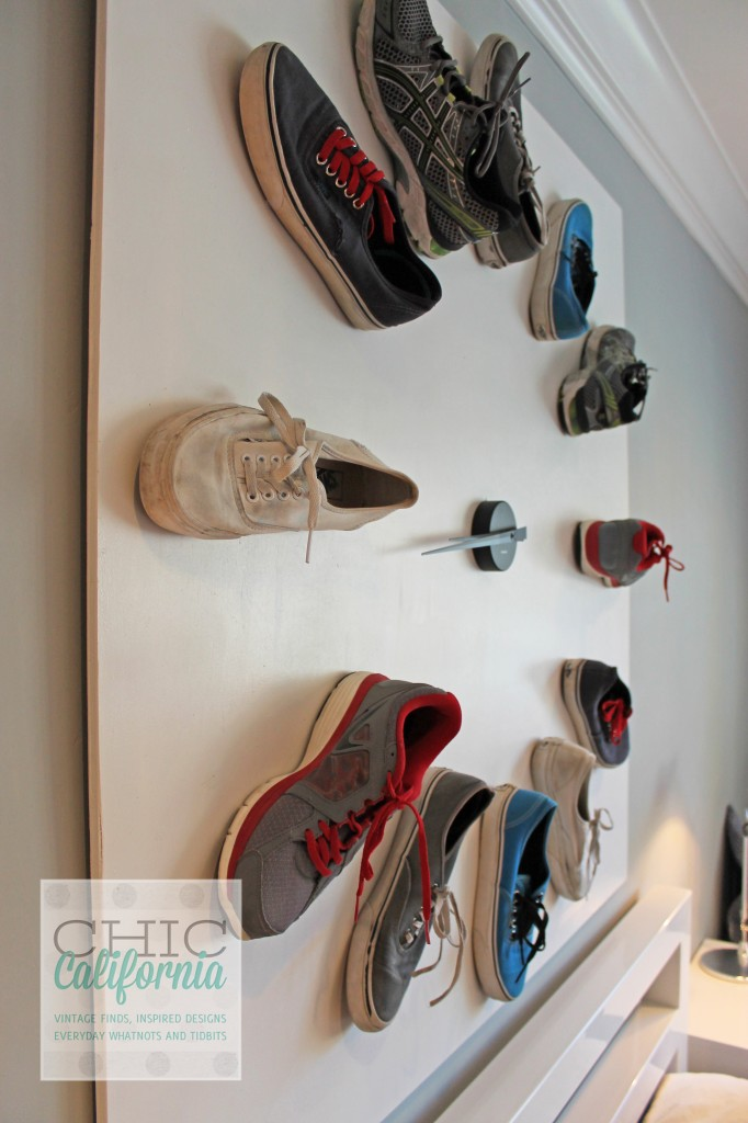 clock made with shoes, DIY clock, shoe clock