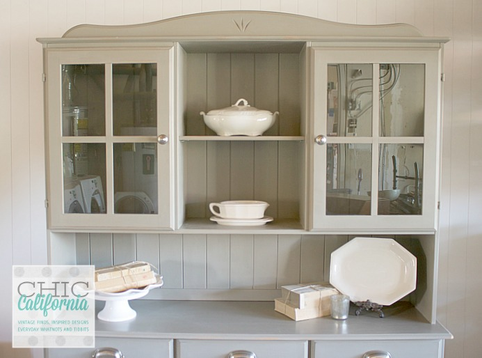 pine hutch after painting in Annie Sloan French Linen