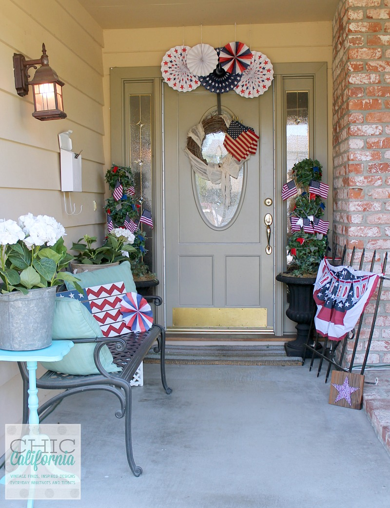 Inspired designs monday easy 4th of july decorating for Front door decor