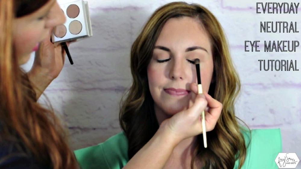 Neutral-Eye-Makeup-Tutorial-Cover-FrySauceandGrits-999x562