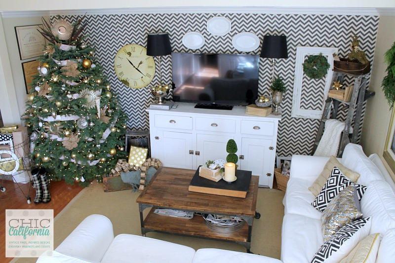 Family Room Christmas Home Tour