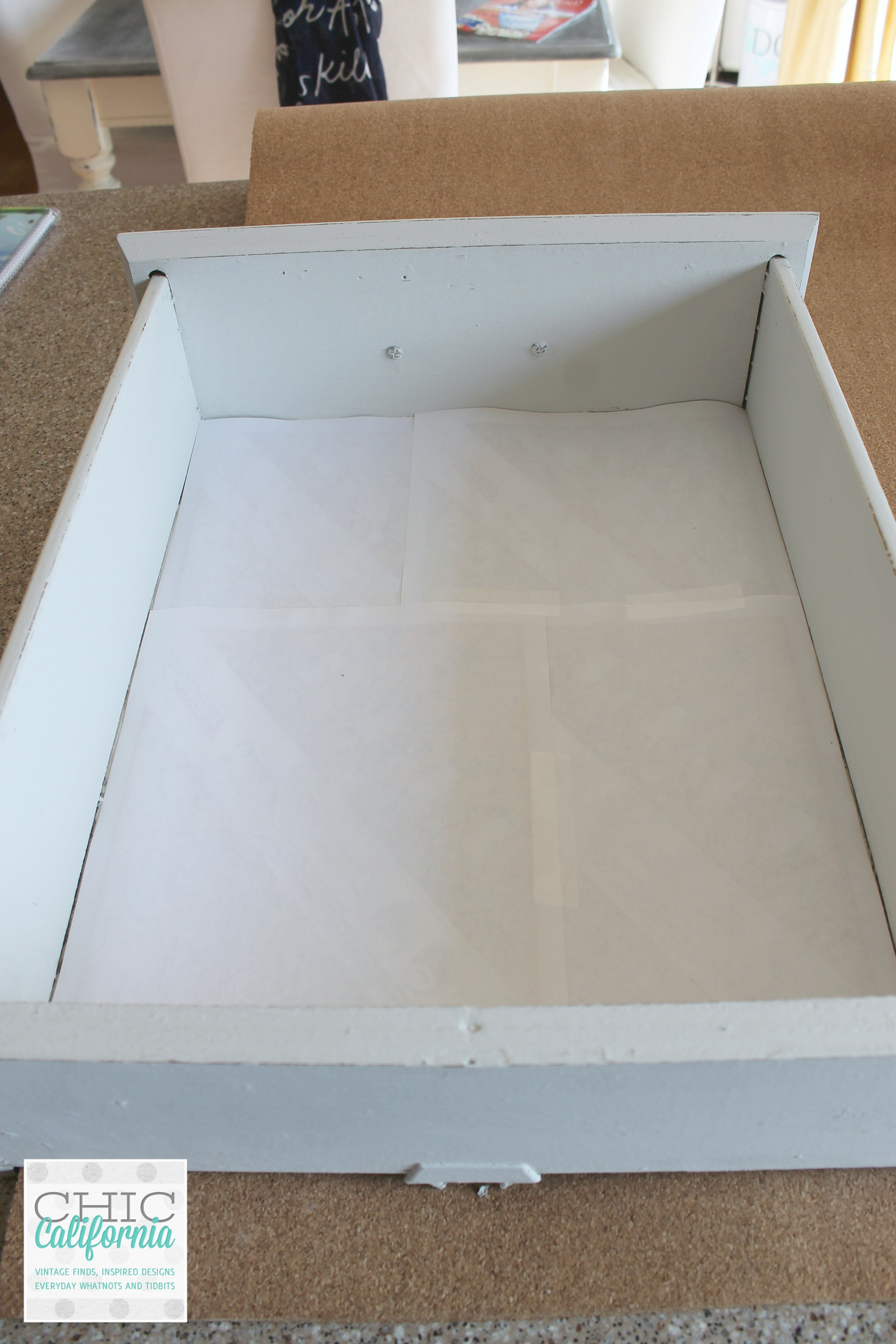 line drawer with paper