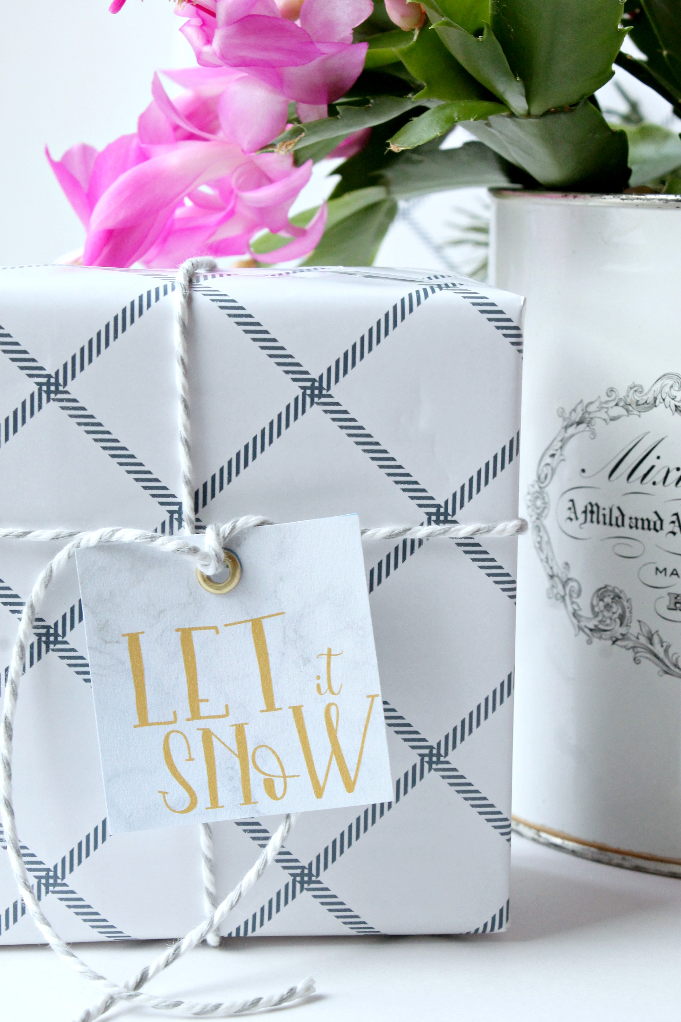Let it snow printable gift tag