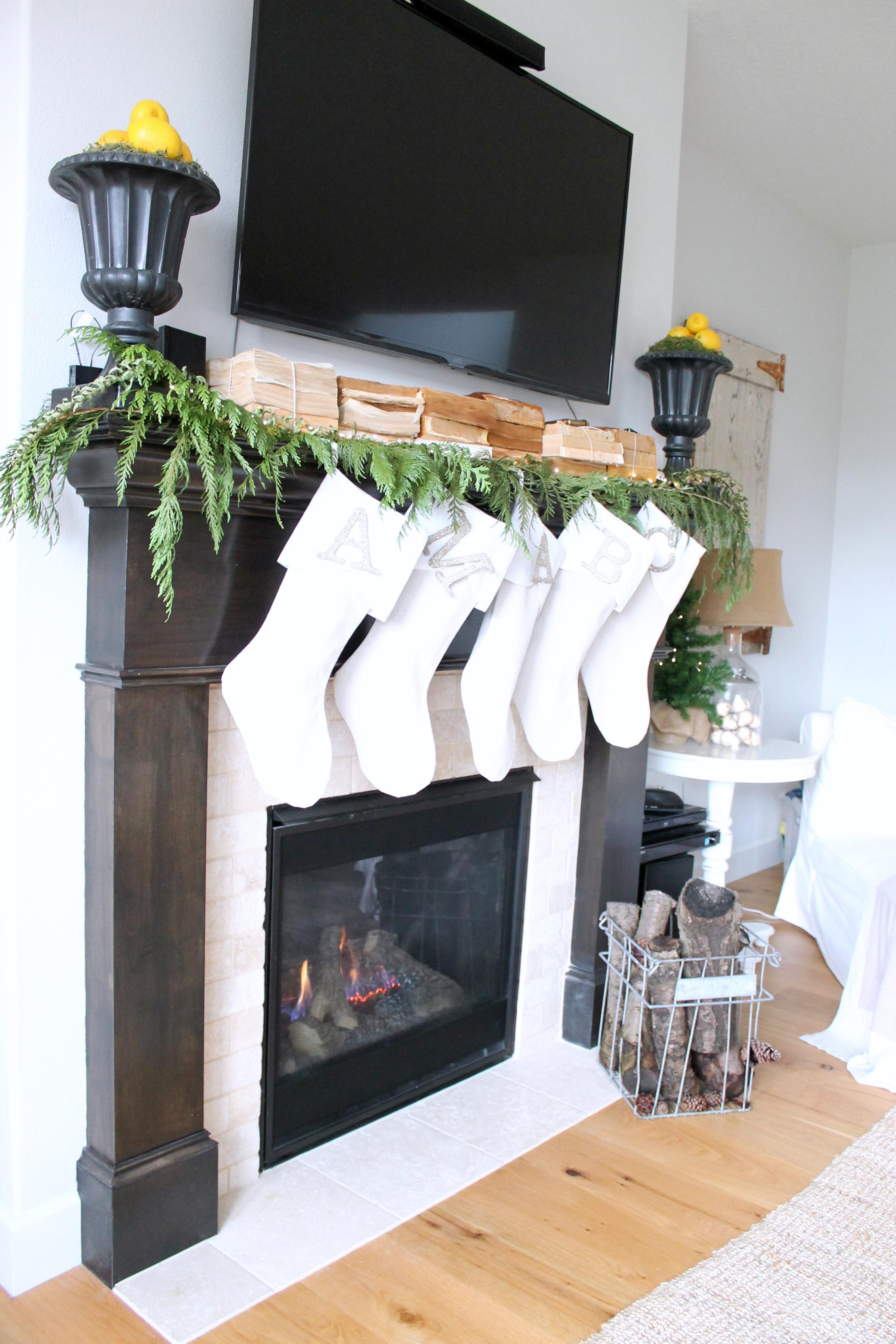 Modern Farmhouse Christmas Mantel