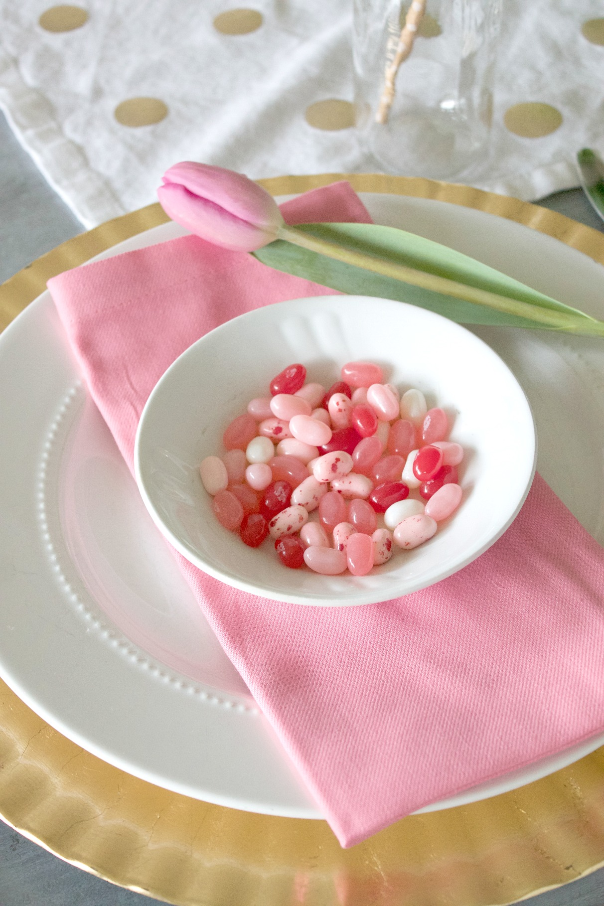 Jelly Belly Pink and Gold Table setting