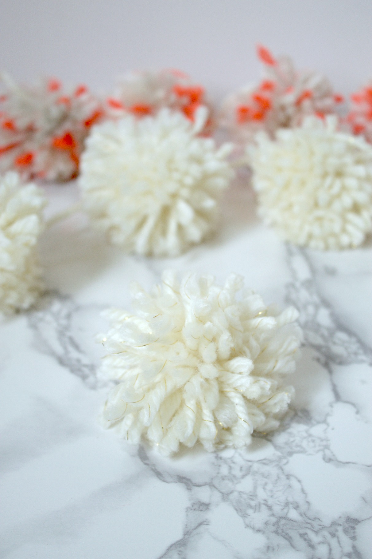 Easy DIY Pom Pom Tutorial