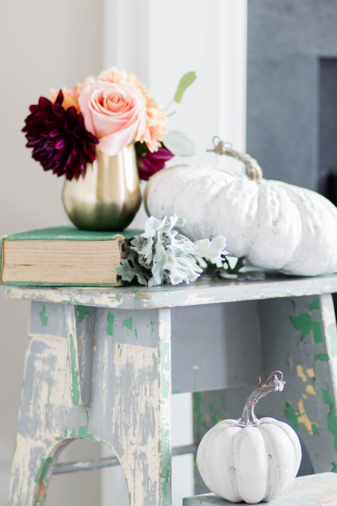 Chic California // Transitional Style with some vintage mixed in. Cute vintage chippy paint step stool.