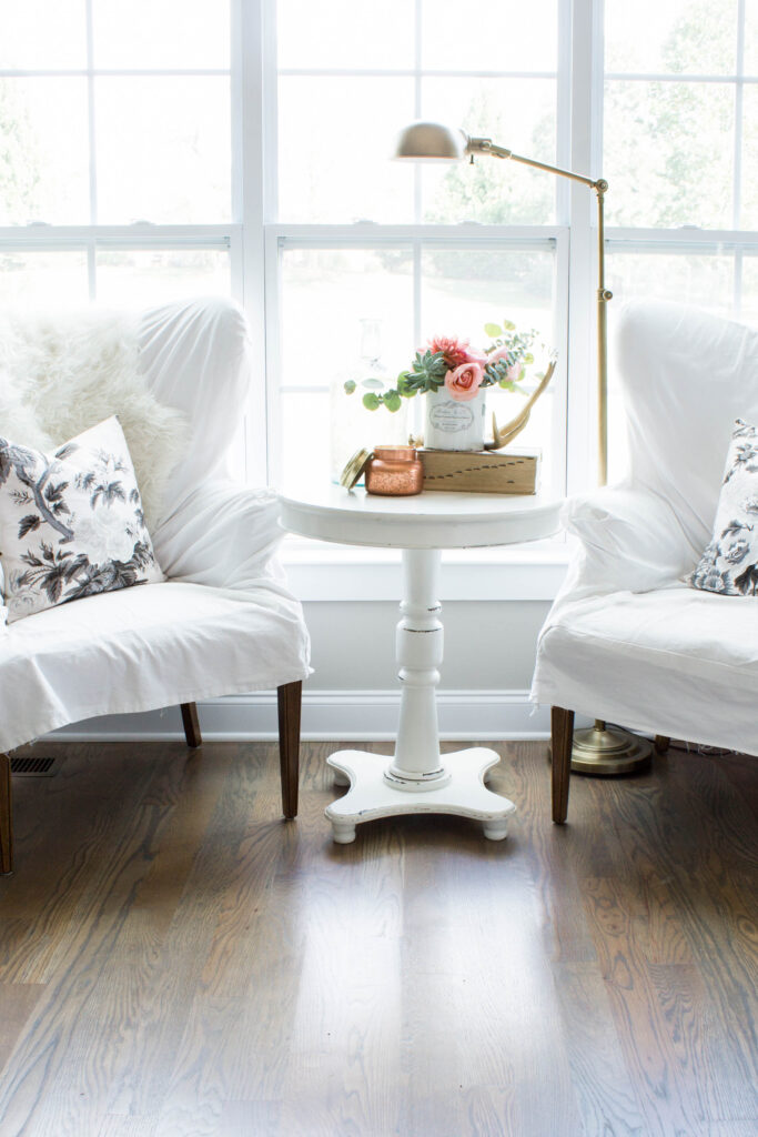 Chic California // Transitional Fall Decor for the Family Room. Love these Pyne Hollyhock blush pillows!