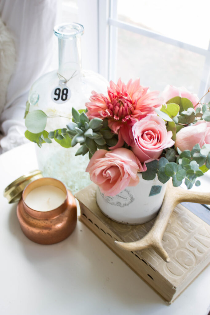 Chic California // Modern Farmhouse Fall Floral Arrangement. Love the blush. green and mixed metals for fall.