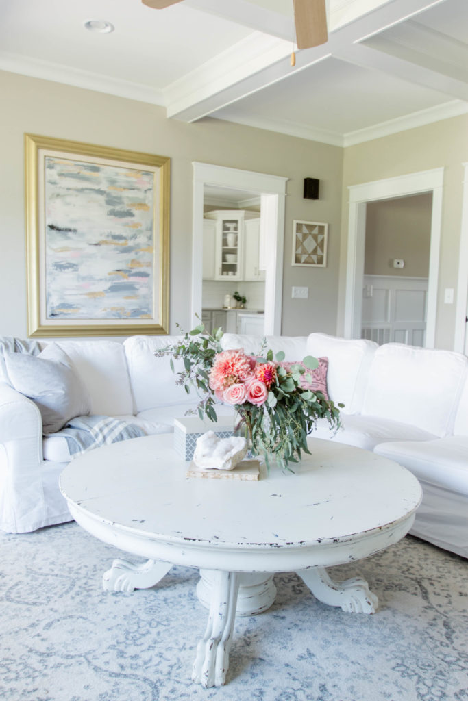 Chic California // Transitional Fall Decor Family Room Tour
