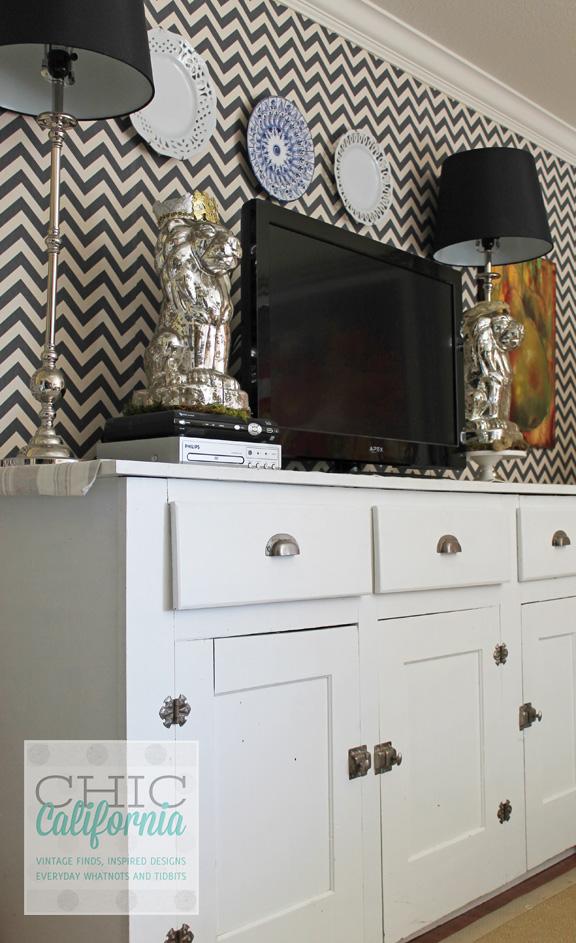 cornerof cabinet