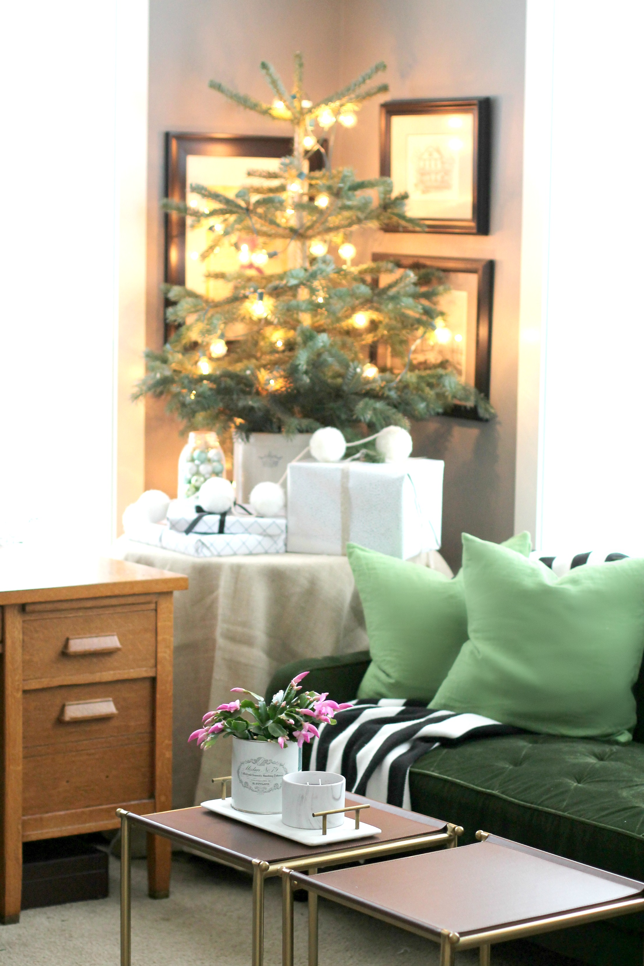 Modern and Vintage Christmas Decor for Home Office