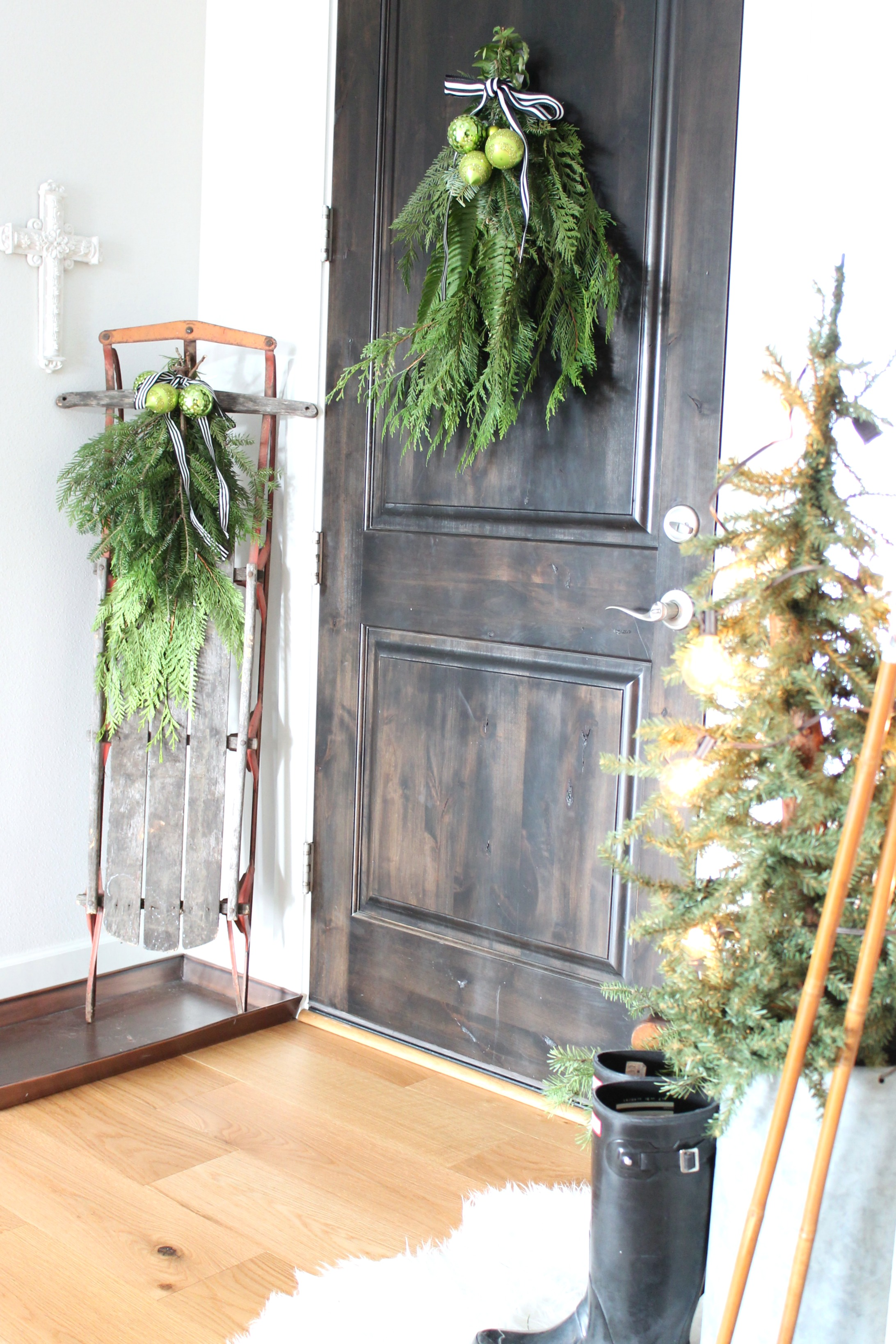 Modern Farmhouse Christmas Decor Home Tour