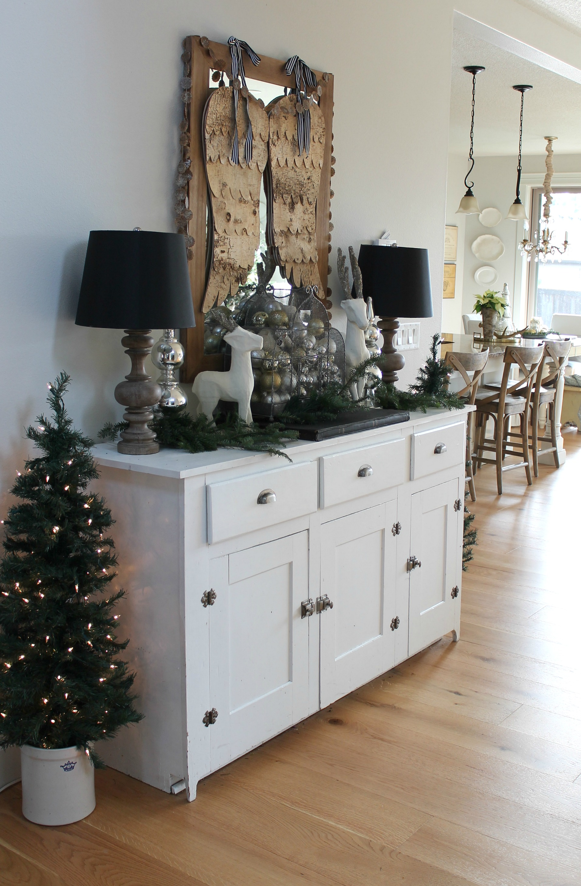 Modern Farmhouse Christmas Home Tour Entry