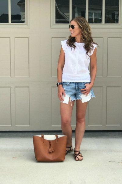 The Cutest Casual Summer Outfit-Perfect for running errands www.chiccalifornia.com