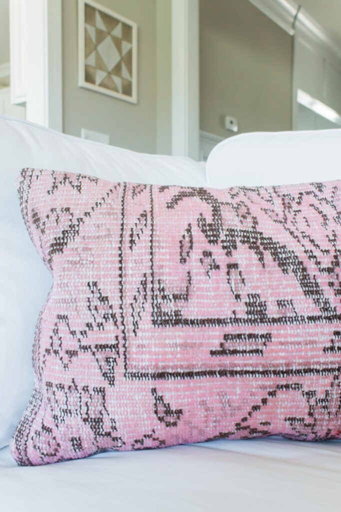 Chic California // Modern Farmhouse Fall Decor Home Tour- Love this blush pillow