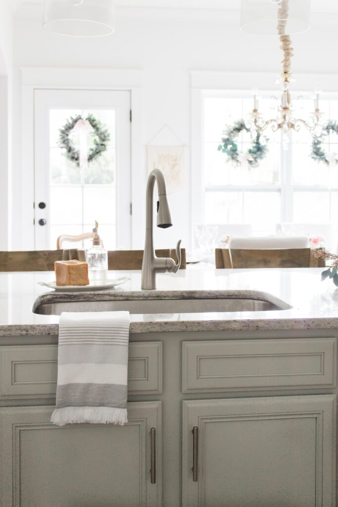 Modern Farmhouse Style Kitchen Christmas Tour