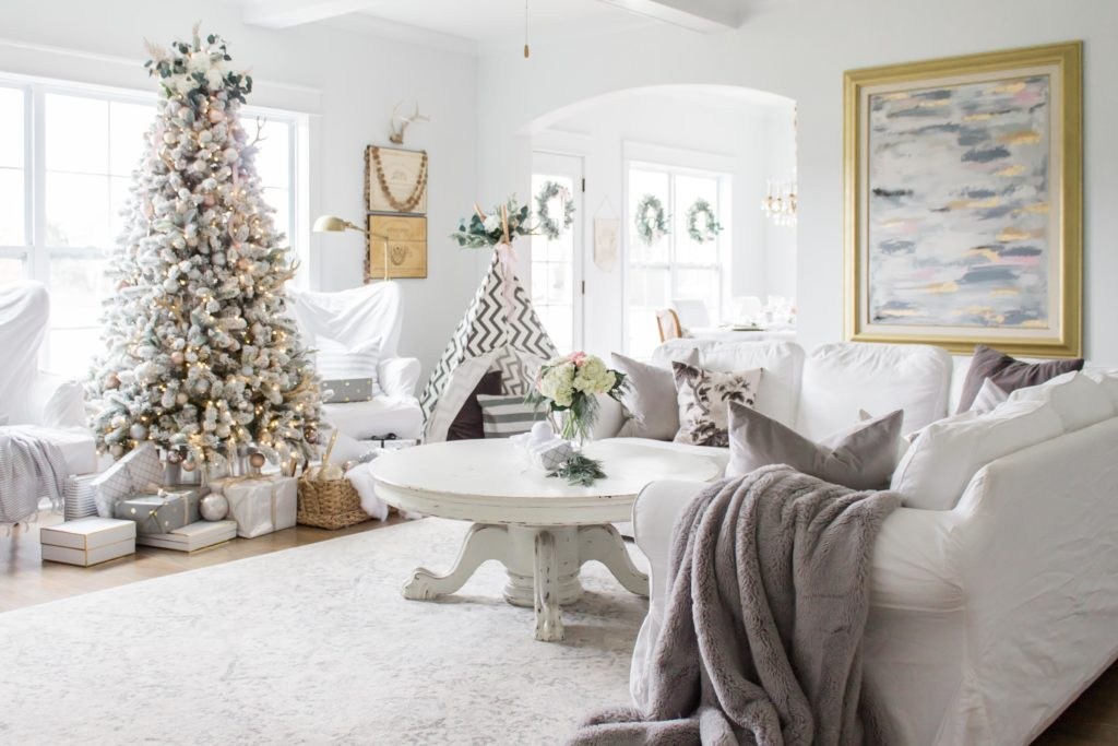 I\'m Dreaming of a White Christmas Home Tour Part IV- Family Room ...
