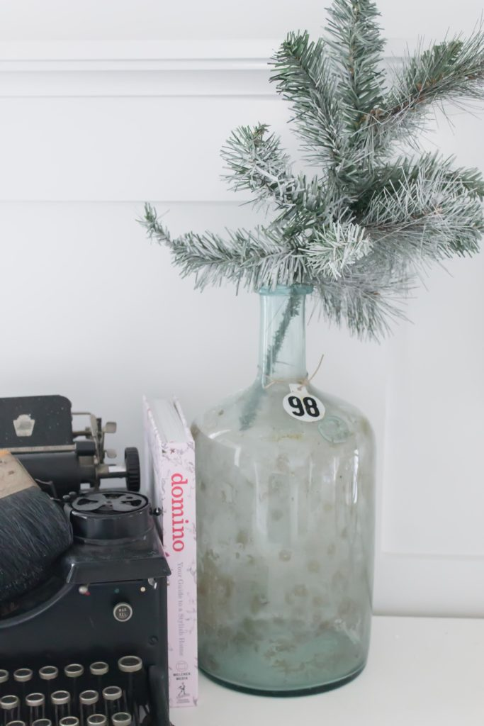 Modern Farmhouse Christmas Home Tour Office _010