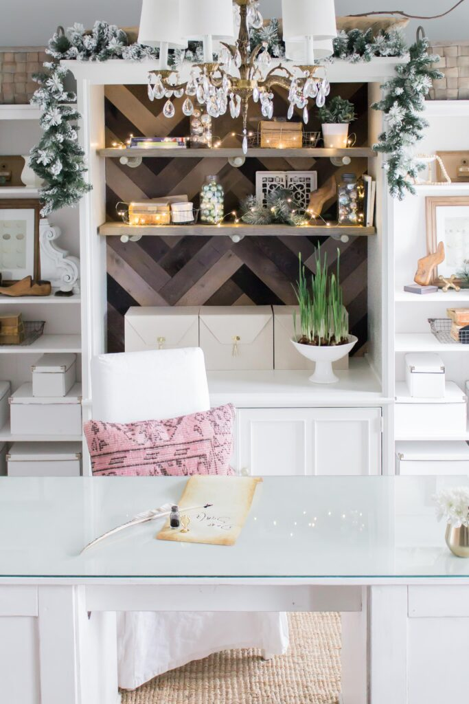 Modern Farmhouse Christmas Home Tour Office _011