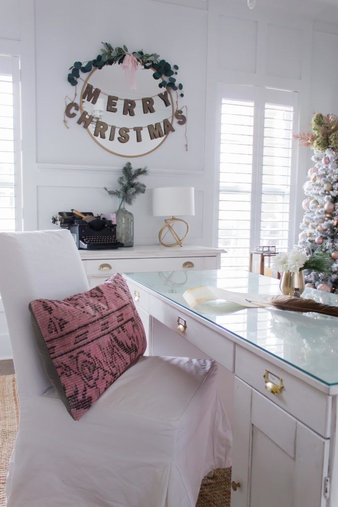 Modern Farmhouse Christmas Home Tour Office _016