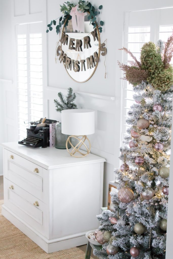 Modern Farmhouse Christmas Home Tour Office _021