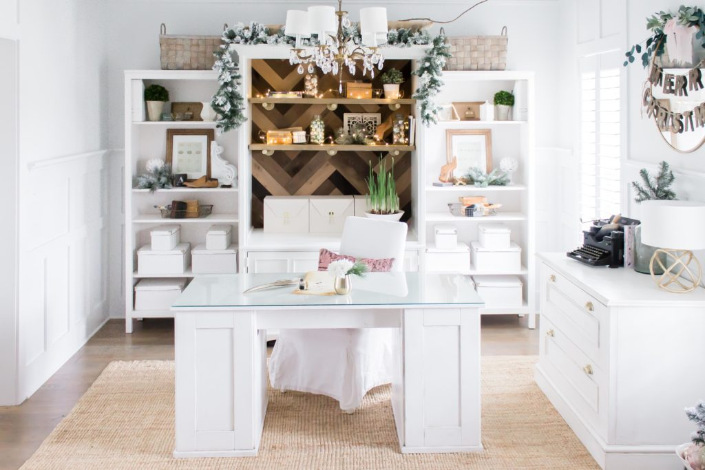 Modern Farmhouse Christmas Home Tour Office _022